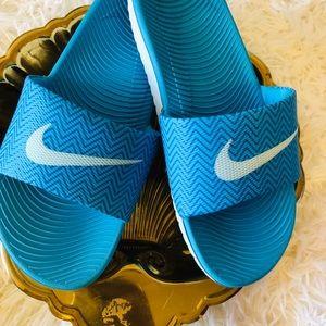 Nike    Flip Flops Sandals